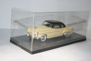 Dark Knight 1950 Oldsmobile Club Coupe Diecast Car 1/43