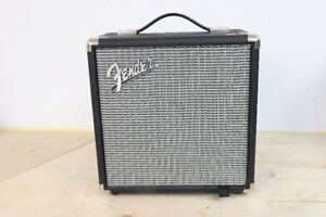 **SURPRISING ** Fender Guitar Amp, Rumble 15 (#13573)