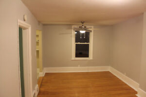 Spacious and quiet 1 Bedroom in the Locke St Area (inc. Parking)