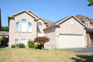 5 BEDROOM SPACIOUS HOME FOR FAMILY IN THOROLD!