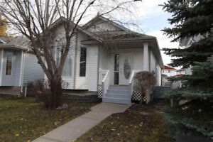 Bungalow house in Twin Brooks 923 117 Street NW