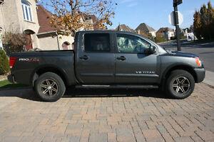 2009 Nissan Titan Pro 4X Pickup Truck