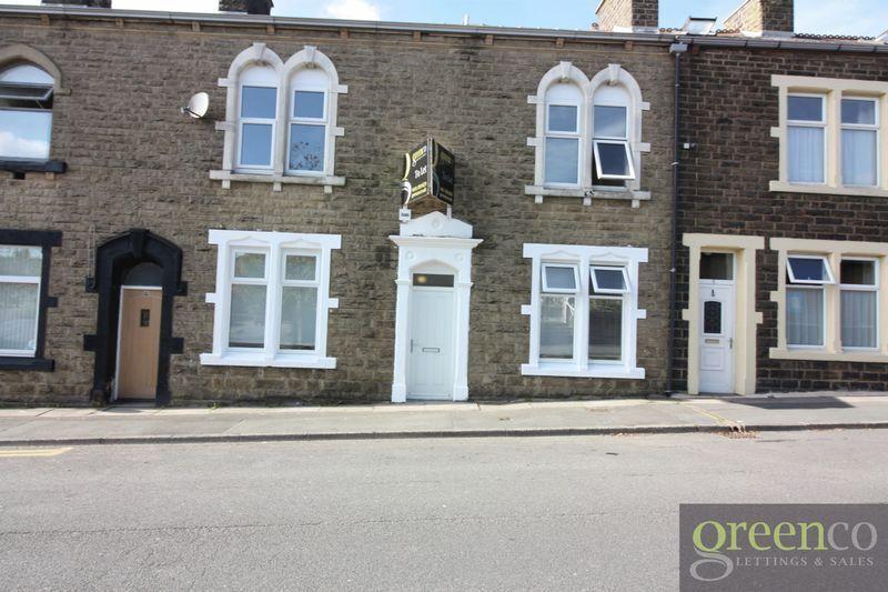 Studio flat in John Street, Rossendale, BB4
