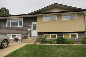 Beautifully maintained family home in Moose Jaw