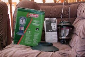 COLEMAN PERFECTFLOW 2 MANTLE PROPANE LANTERN USED ONLY ONCE