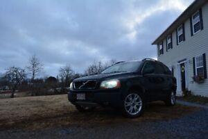 2004 Volvo XC90 T6 AWD (3 Row)