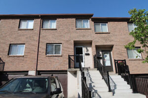 Great 3 bedroom townhouse in the West Mountain neighbourhood