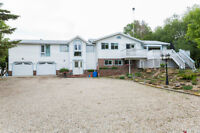 Beautiful Acreage just Minutes from Spruce Grove!!
