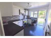 Detached House To Let in Thorpe Bay