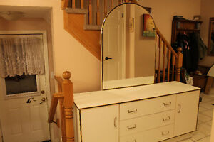 LOVELY WHITE DRESSER WITH MIRROR