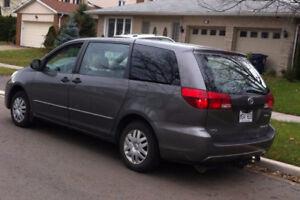 2005 Toyota Sienna Minivan, Van ,Excellent condition