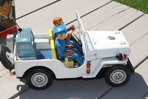 VINTAGE TOY POLICE JEEP Strathcona County Edmonton Area image 3