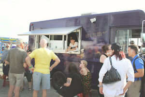 New Price --> Food Truck manufactured by Venture Food Trucks