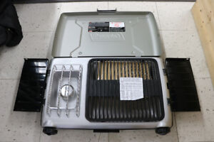 **STOVE** Coleman 9922 Series Grill Stove - 16490