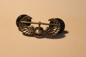 2 Military  Helicopter & Parachute Pins  (VIEW OTHWER ADS) Kitchener / Waterloo Kitchener Area image 2