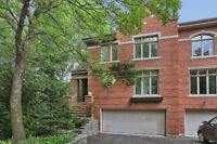 Splendid House Surrounded by Trees,10mins from DT Montreal