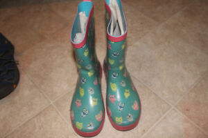 Size 4 girls owl rubber boots