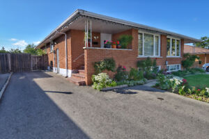 Well Maintained Semi Bungalow Under 400!