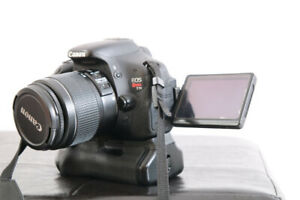 CANON T3I + OBJECTIF 18-55MM + BATTERY GRIP + 2 BATTERIES +