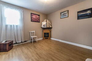 Lovely Townhouse for sale in Mount Pearl.  $159,900 St. John's Newfoundland image 8
