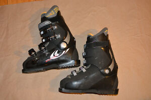 Salomon Performa 6.0 Men's Ski Boots. Size 8.5 (US) -REDUCED