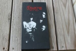 THE DOORS   BOX SET   4  CDS   PLUS