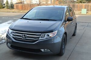 2011 Honda Odyssey EX Minivan *Low KMs, Hitch, Remote Start