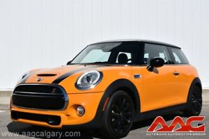 2014 MINI COOPER S 6 SPEED MANUAL ONLY 27,000KM!!