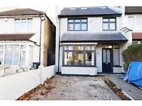 4 bedroom house in Woodgrange Avenue, Finchley, N12