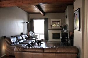 2 Bedroom Edmonton Quiet neighbourhood  avai. Jan 1/18