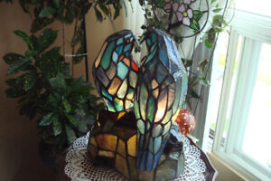 Tiffany Style Loving Birds Lamp