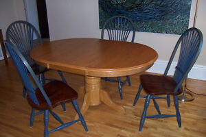 Dining Table - Pedestal Type with Leaf and 4 Chairs