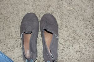 Grey-light Brown kids Toms. Size youth 3