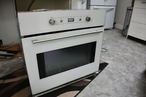 WHIRLPOOL CONVECTION OVEN & KITCHEN AID STOVETOP