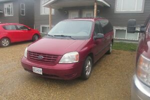 2005 Ford Freestar 4.2L Minivan,Van Low kms, Excellent Condition