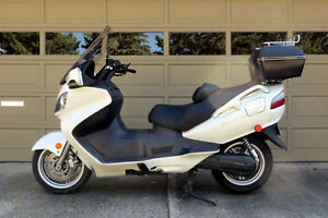 "2007 Suzuki Burgman 650 ""Maxi Scooter""  Reduced to $3200.00  OBO"