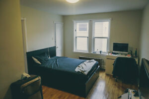 Bachelor apt available Jan 1st possibly sooner - South End