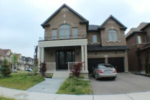 SPECTACULAR 5 Bedroom House in Kleinburg!