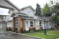 Immaculate Willowbrook townhouse!