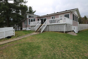 588 Silv'ry Moon Road on Trout Lake, Noelville (French River)