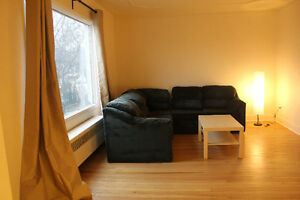 SHARED ACCOMODATION  (BEDROOM FOR RENT) - PERFECT LOCATION