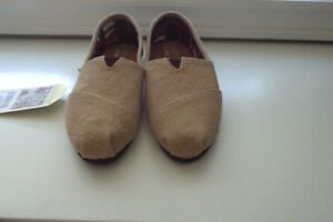 Toms Natural Burlap in size 8.5