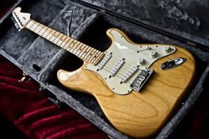 2008 Fender American Standard Stratocaster comme NEUVE