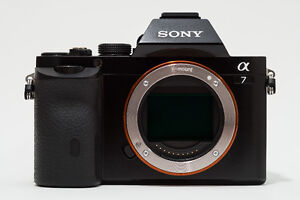 mint sony A7 full frame mirrorless camera body