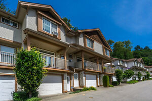 Three Story 4 Bed/ 3 Bath Townhouse in East Abbotsford! (FA)