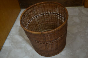 Small wicker wastebasket Peterborough Peterborough Area image 2