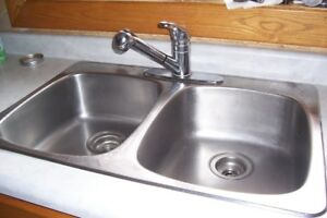 DOUBLE SINK & TABLE TOP ICE MAKER