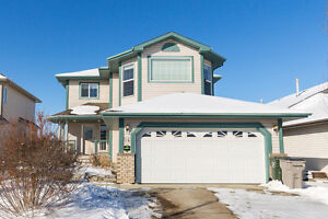 3 bed 3.5 Family Home in Coloniale Estates Beaumont