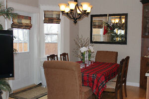 Solid Wood Dinning Room Table and Six Chairs