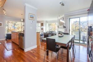 Luscious Townhouse at Laurel & 16th (Cambie, Oak, VGH)